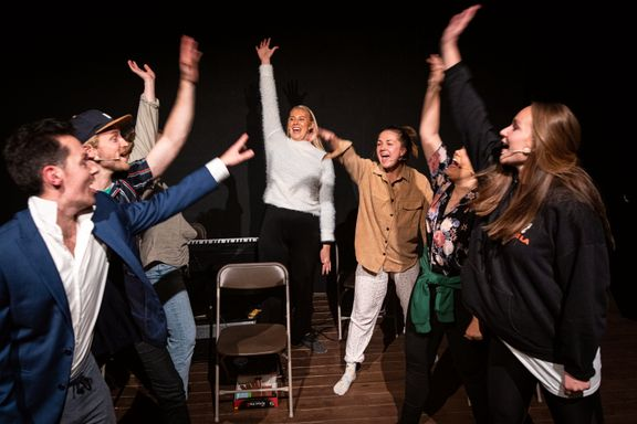 Mini-musikalene popper frem i hele Norge. Nå er de blitt teatrets svar på Netflix.