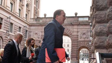 Löfven først ut av partilederne i svensk regjeringssondering