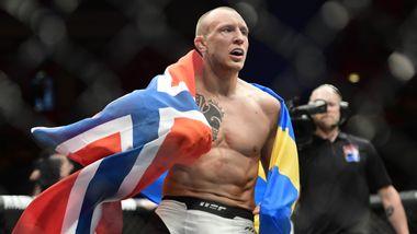 Hermansson med brudd i tåa og øyehulen – tapte etter «slagorgie» i Las Vegas