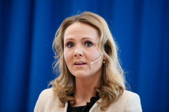 Kulturministeren med oppvask etter DAB-brudd