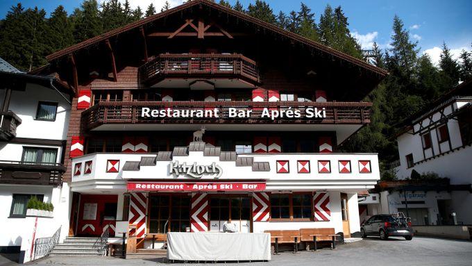 Etter skifesten i Alpene kom viruset til Norge og 44 land. Nå er fire personer utpekt som syndebukker.