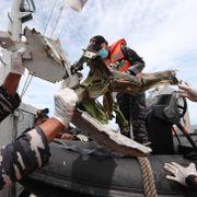 Ferdskriveren til ulykkesflyet i Indonesia hentet opp