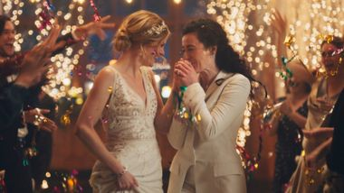 TV-nettverk snur etter å ha fjernet reklame med homofilt par