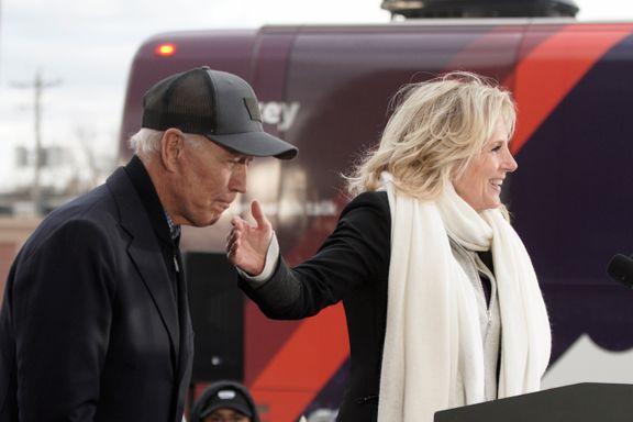 Joe Biden overrasket velgere med å bite konas finger