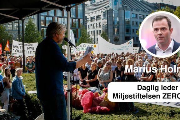 Marius Holm synes Schjøtt-Pedersen har pussige svar til Knausgård