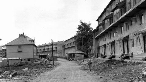 ADOLPH BERGS VEI: Bildet er trolig fra 1950-tallet, da blokkene ble bygget.