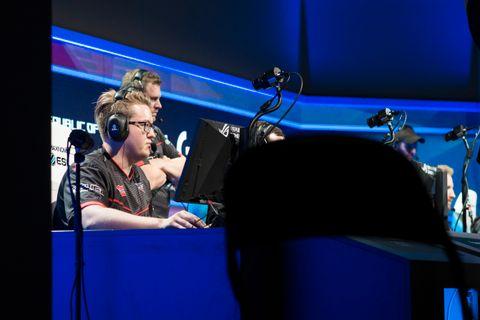 Håvard «Rain Nygaard» hylles som en av verdens beste innen e-sport. Han er proff på Counter-Strike-laget FaZe Clan.
