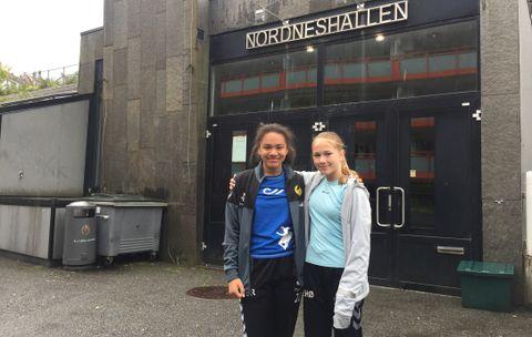 VIL SATSE: Sarah (13) og Eir (14) fikk virkelig kjenne på kroppen at det kan være tungt når en skal trene for å bli god. Nå vil de trene enda mer fremover, drømmen er landslaget.