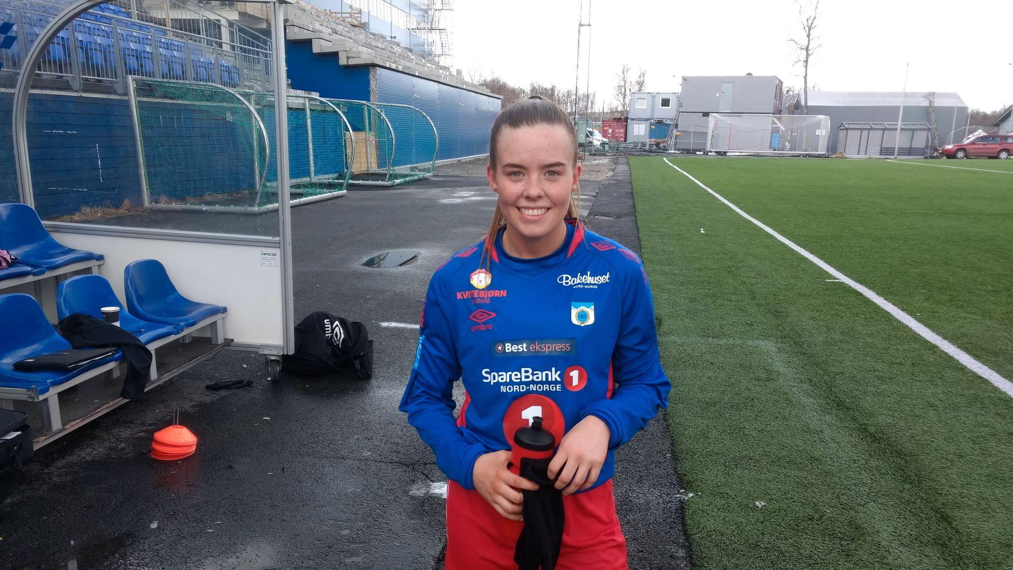 ff6b6209 Nora (20) scoret to da TUIL-damene innledet sesongen med solid seier -  Stavanger Aftenblad