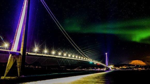 Denne hengebroen i Narvik er bygget av en kinesisk entreprenør. Er det problematisk?