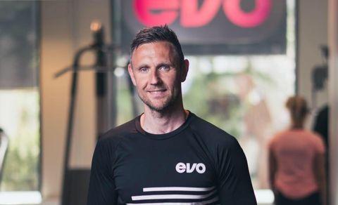JOBBAR PÅ TRENINGSSENTER: Henning Holm (38), Produkt & HR-direktør i treningskjeda Evo.