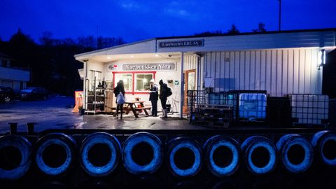 HJØRNESTEINSBEDRIFT: Nærbutikken på Nåra i Solund.
