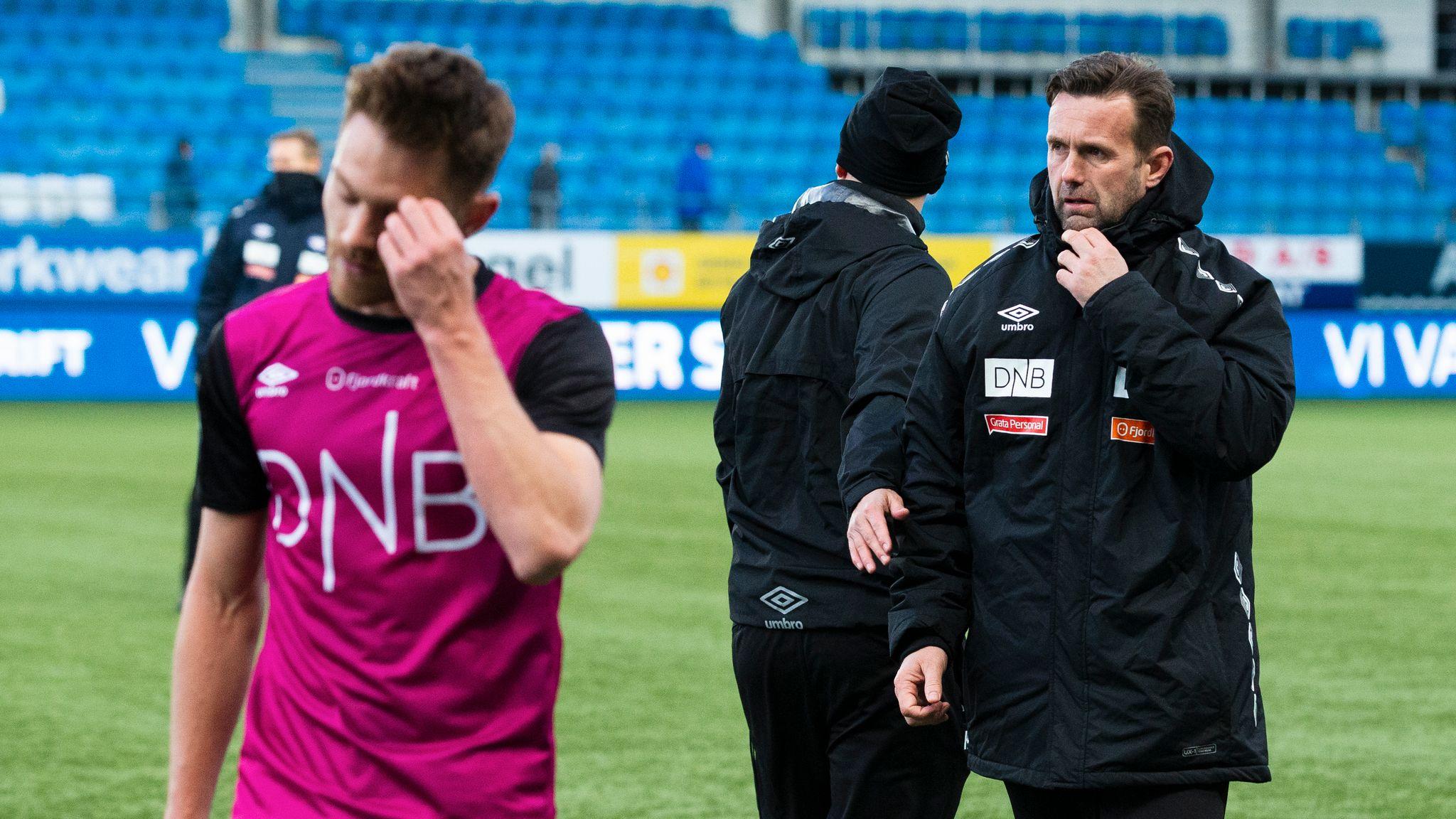 97154190 VIF-trener Ronny Deila mener hans gutter gjorde mye bra borte mot Molde,  selv om det endte med 1–4-tap. Svein Ove Ekornesvåg / NTB scanpix
