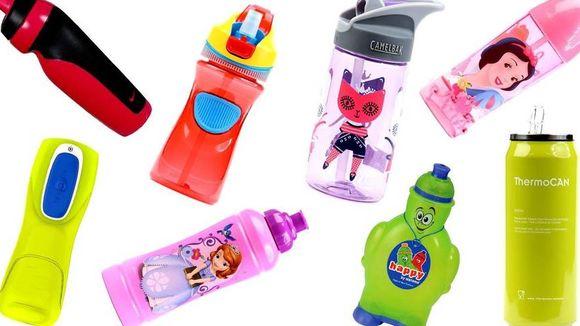 f7daae97 Drikkeflaske er greit å ha med seg i barnehagen, men det er ikke spesielt  artig å få tilbake en sekk med et klissete lag av saft i bunnen.