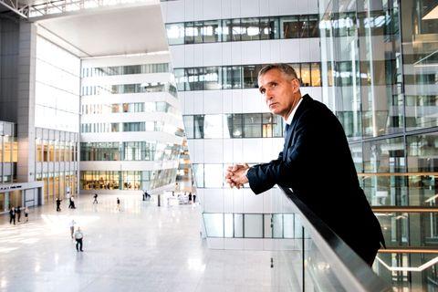 ARBEIDER HARDT: – NATO gjør alt for å hindre kald krig og et nytt våpenkappløp, sier Stoltenberg.