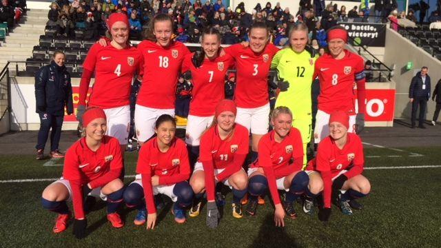 fb8371f0 Tre lokale talenter fra start da J17-landslaget tok et viktig steg mot EM -  Stavanger Aftenblad