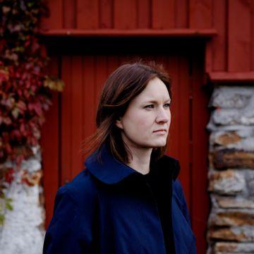 Da hun flyttet fra Briskeby til Valevåg, fant Agnes Ravatn skrivero, vakker natur og en ondartet kul på halsen