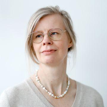Familieterapeut Hedvig Montgomery lurer på om hun har litt av skylden for «pedagogiske» foreldre