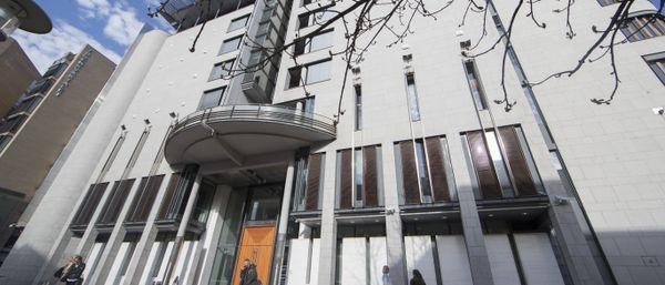 Mann tiltalt for gullsmedran i Oslo