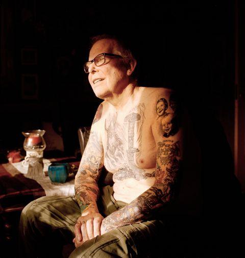 TATOVERT: Willy Boman reiste til sjøs som 17-åring. Det året tok han si første tatovering i India. Sidan har han halde fram.