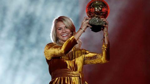 ADA HEGERBERG: Ada vant «Gullballen» iført gullkjole!