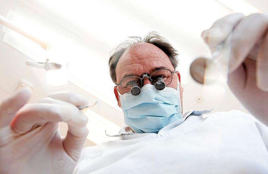 Vil ha gratis tannlege til alle under 25 år - Aftenposten
