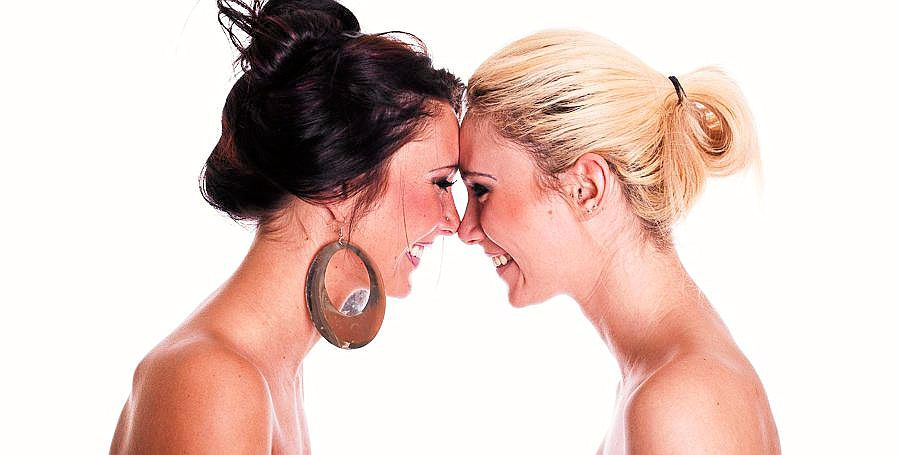 Lesbiske kyss bilder