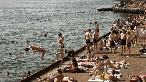 TIDENES VARMESTE MAIDAG: 30. mai var den varmeste maidagen noensinne i Bergen med 31,2 varmegrader. Fredag vil badeglade igjen kunne nyte tropiske temperaturer på Georgernes Verft.