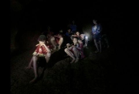 FREMME: Dette var synet som møtte dykkerne som fant guttene.