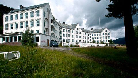HARASTØLEN: Sanatoriet blei teikna av den bergenske stjernearkitekten Adolph Fischer og sto ferdig i 1902.
