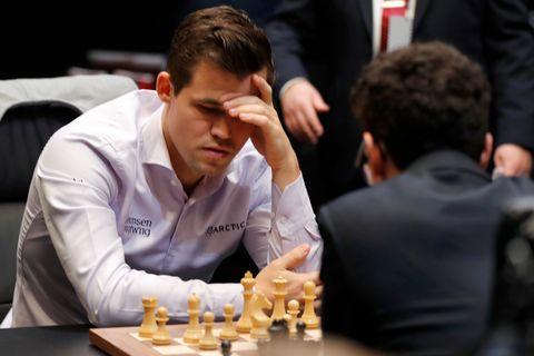 VANSKELIG START: Det var under hurtigsjakken at Magnus Carlsen tok ledelsen for fullt.