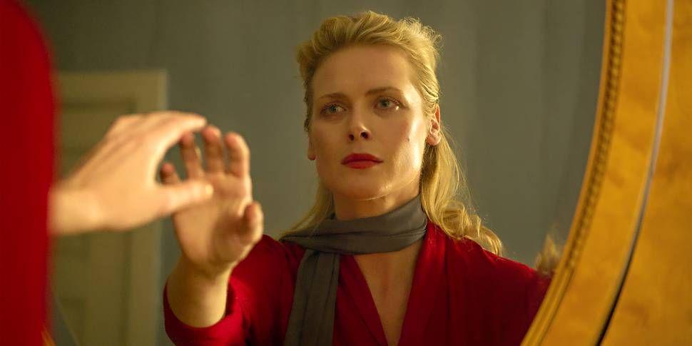 5ddaa7d3 Cathrine (Synnøve Macody Lund) drar til barndomsheimen og kjem i kontakt  med seg sjølv på måtar ho ikkje ante. Filmweb