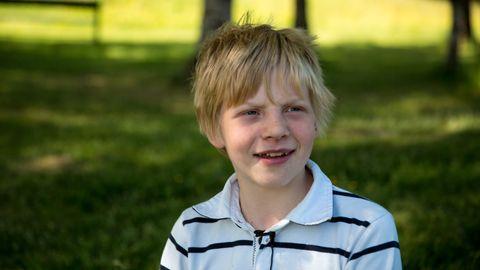 VIL FORTSATT LEKE: - Jeg føle meg ikke helt ferdig med å være barn. En bestemmer jo litt selv når en vil bli voksen, mener Villiam (13).