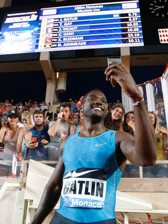 445dafe2 Justin Gatlin ble så glad etter å ha vunnet 100-meteren under et Diamond  League-stevne i Monaco for en måned siden at han tok en jubelselfie foran  ...