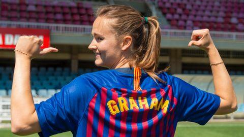 Caroline Graham Hansen skal spille i den legendariske Barcelona-drakten neste sesong. Først skal hun bare vinne en VM-medalje med Norge.