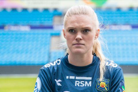 Kristine Leine, her som kaptein for Røa, er trist på Mjærums vegne.