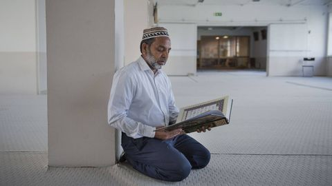 """sandnes muslim Muslims at the asylum center told him: """"this is jihad, holy war, and we are waiting for a fatwa (licence to kill) from the local imam at the mosque in sandnes"""" i had to escape and flee the asylum reception center in fear for my life, """"arsland"""" tells the news paper dagen."""