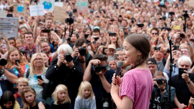 d44ed8fa Greta Thunberg samlet tusener i Berlin. Angela Merkel sier det virker.