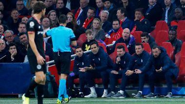 Chelsea-trener fikk gult kort