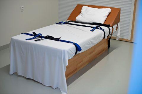 BELTELAGT: 1417 ganger måtte jenten spennes fast i denne beltesengen på Akuttposten for ungdom på Haukeland sykehus.