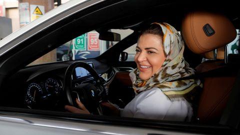 ENDELIG: Kvinner i Saudi-Arabia har fått økt frihet etter at de søndag fikk lov til å kjøre bil.