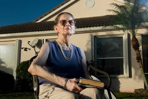 LANGT BORTE: Hilmar Rekstens eldste datter Astrid har bodd i USA siden 1959. Hjembyen Bergen har hun ikke sett siden faren kjørte henne og familien hennes til Flesland på begynnelsen av 1960-tallet.