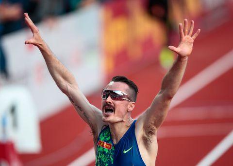 Henrik Ingebrigtsen leverte en sterk avslutning på 3000-meteren på Bislett og knuste den norske rekorden med fire sekunder.