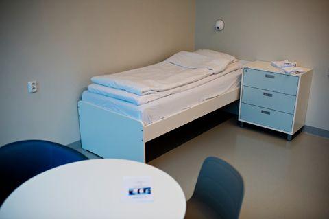 HJEM: Et rom som dette var jentens hjem på Akuttposten i flere år.