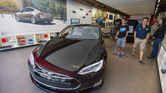 2af4046f Musk stenger Tesla-butikker og satser kun på nettsalg - Aftenposten