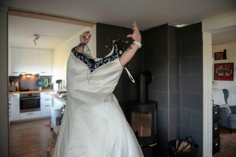 20 KILO: Hun har tatt av 20 kilo siden det avlyste bryllupet. Nå kan Liv-Monica Wie Aune enkelt tre brudekjolen over hodet.