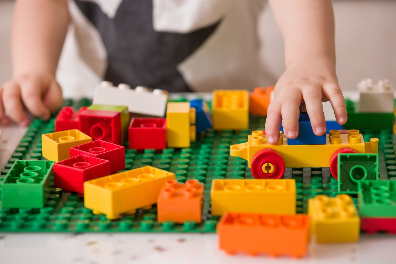 06fad046 MYE NYTT: August er høysesong for tilvenning av ferske barnehagebarn. I  tillegg til alt som har med barnets trivsel på det nye stedet å gjøre, ...