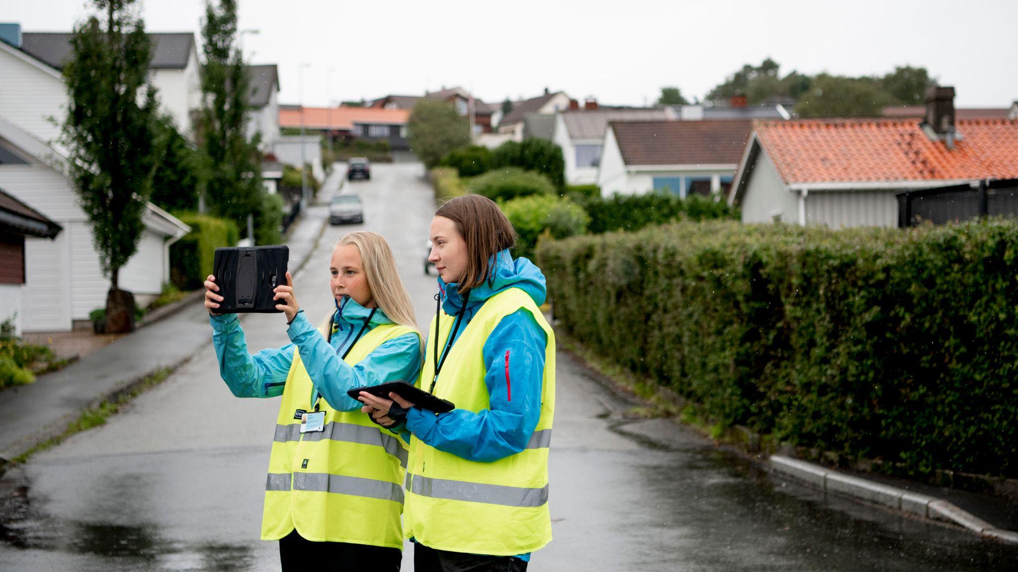 01f09099 I forbindelse med taksering har eier og bruker av en eiendom plikt til å  medvirke til synfaring av eiendommen, og kommunen kan fotografere  eiendommen din.