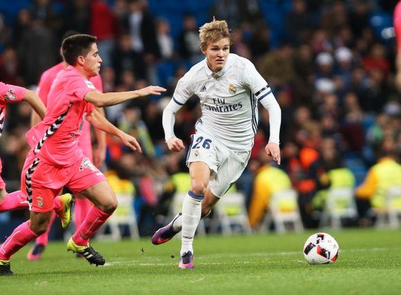c34a9614 Farmerlaget: Martin Ødegaard spilte lenge for Real Madrids farmerlag  Castilla i Segunda B. Et lag som er omtrent på Branns nivå, skal vi tro  Football Radar.