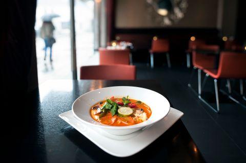 RØD KARRI: Tom kha gai-suppen skiller seg for lite fra andre retter på menyen, mener vår anmelder.